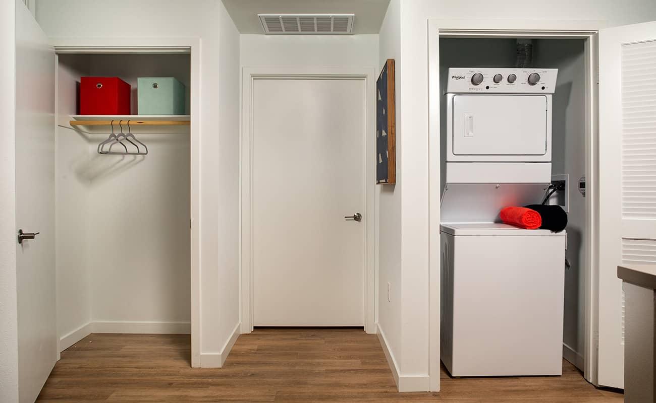 AmpliFi Plan B2: Coat/Laundry