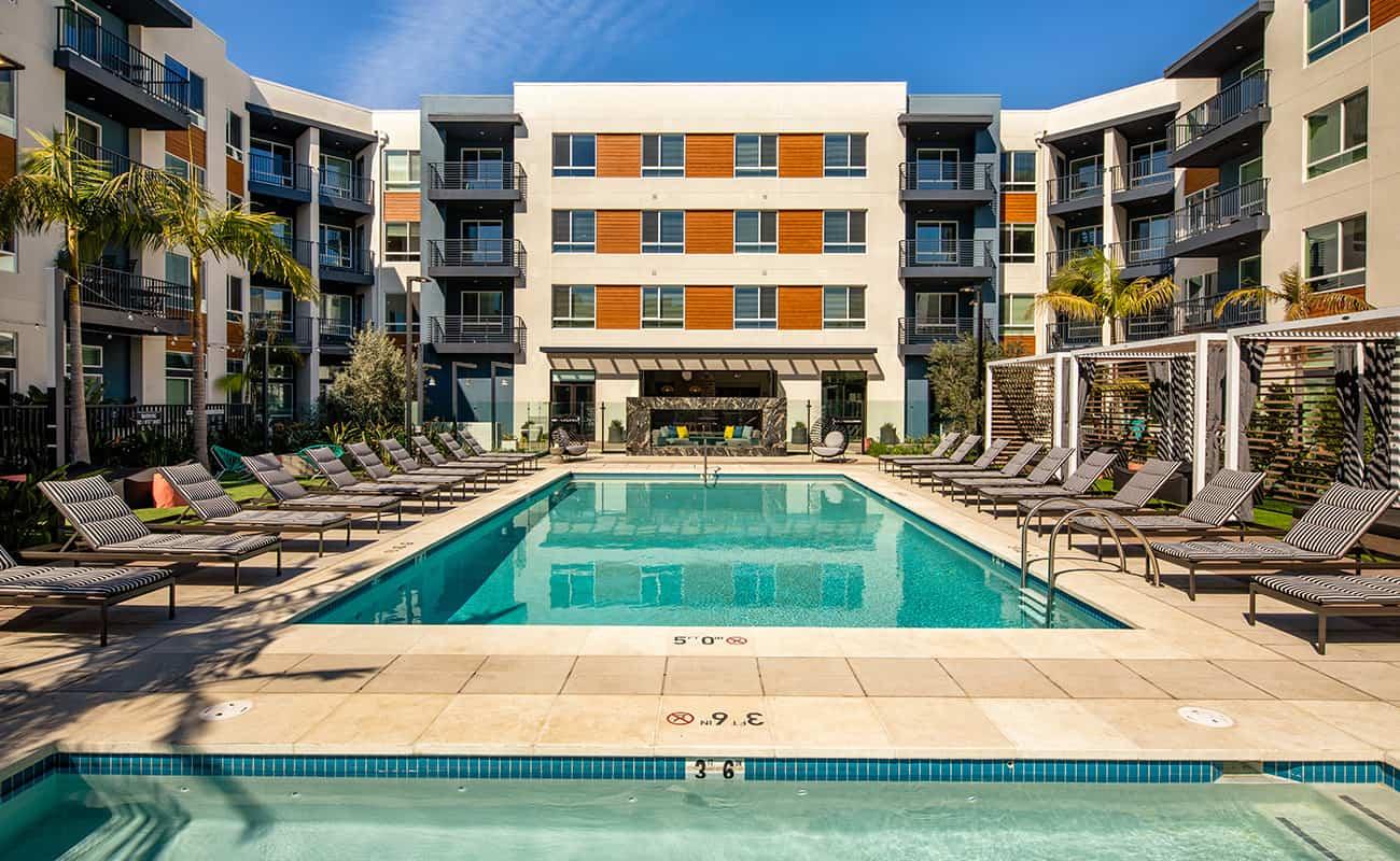 AmpliFi - Resort-Style Saltwater Pool